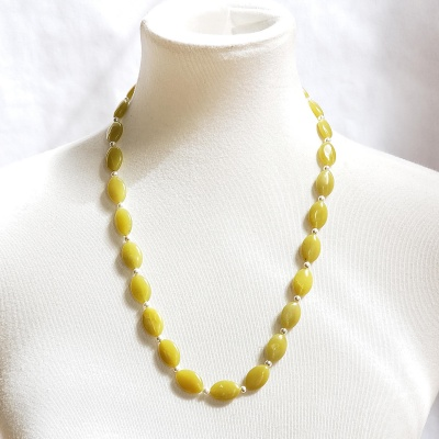 Light Serpentine with Pearls Necklace