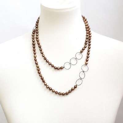 Faceted bronze pearls and black shimmer ring necklace