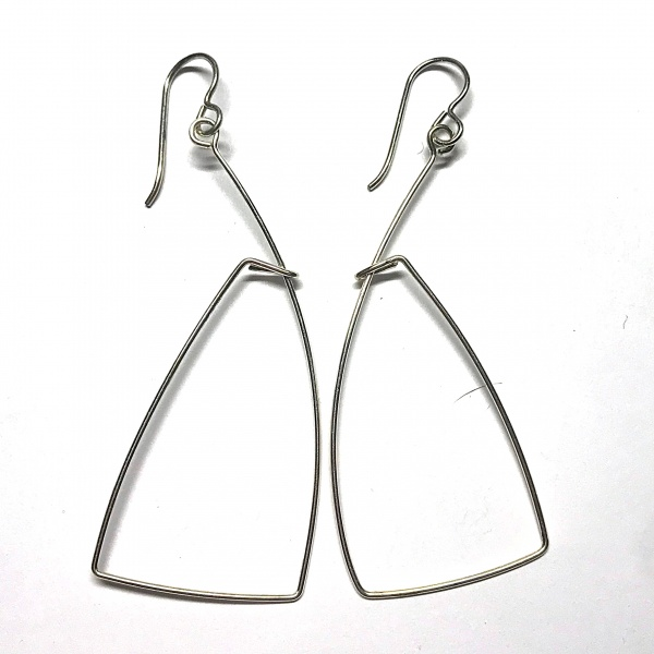 Outline Earring 9136