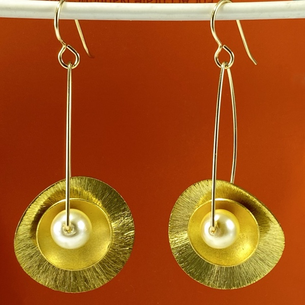 Gold Layer earring with pearl