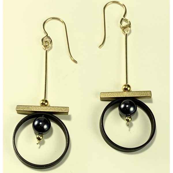 Black ring earrings with bar