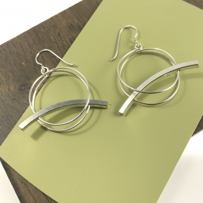 Double hoop with bar earrings