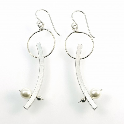 Hoop, bar and pearl earrings