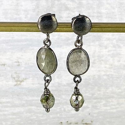 Labradorite & black post top earrngs 2269