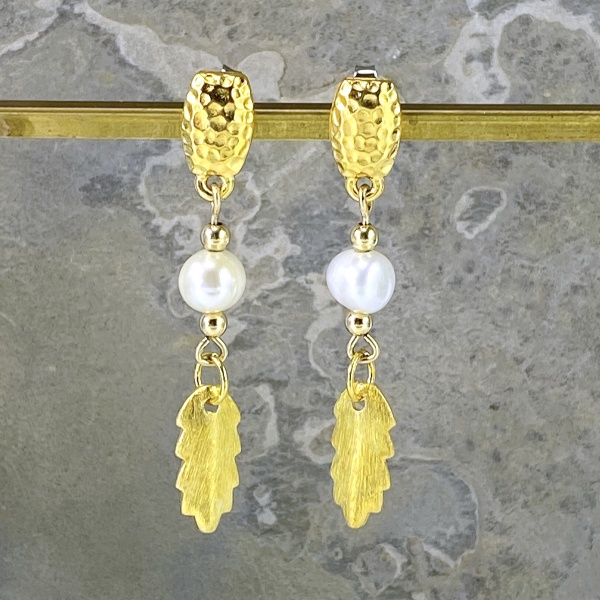 Pearl & gold leaf earrings 2257