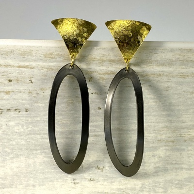 Ingrid - black & gold earrings 2245