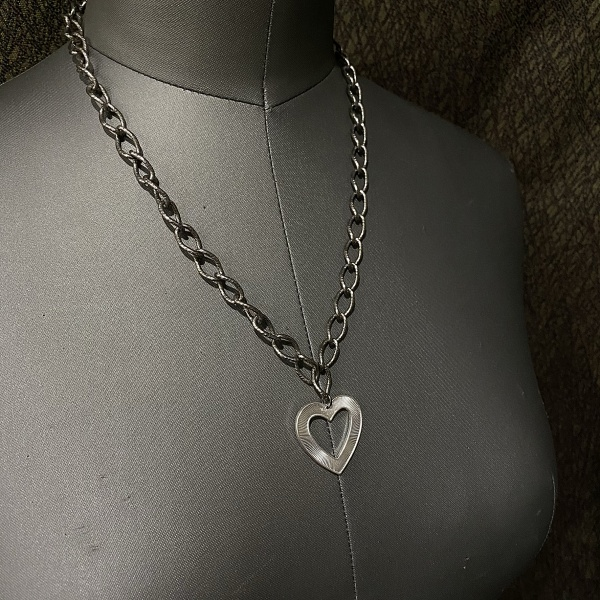 Chunky Heart Necklace 3259