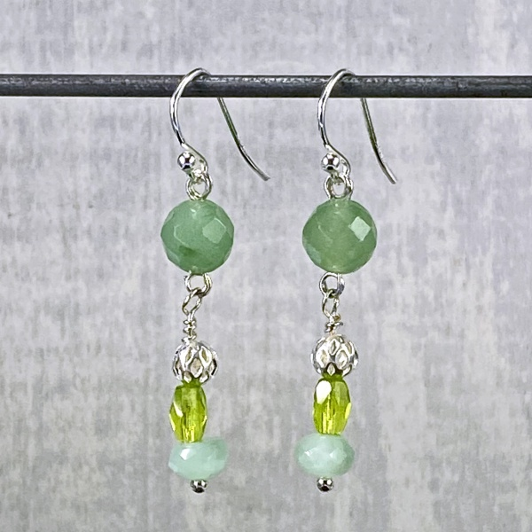 Green stone earrings 4058